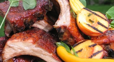 Pork Ribs With Smoky Peach Sauce